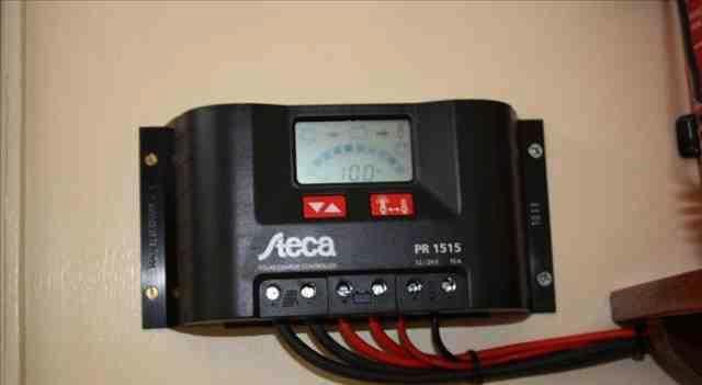 شارژ کنترلر خورشیدی چیست؟